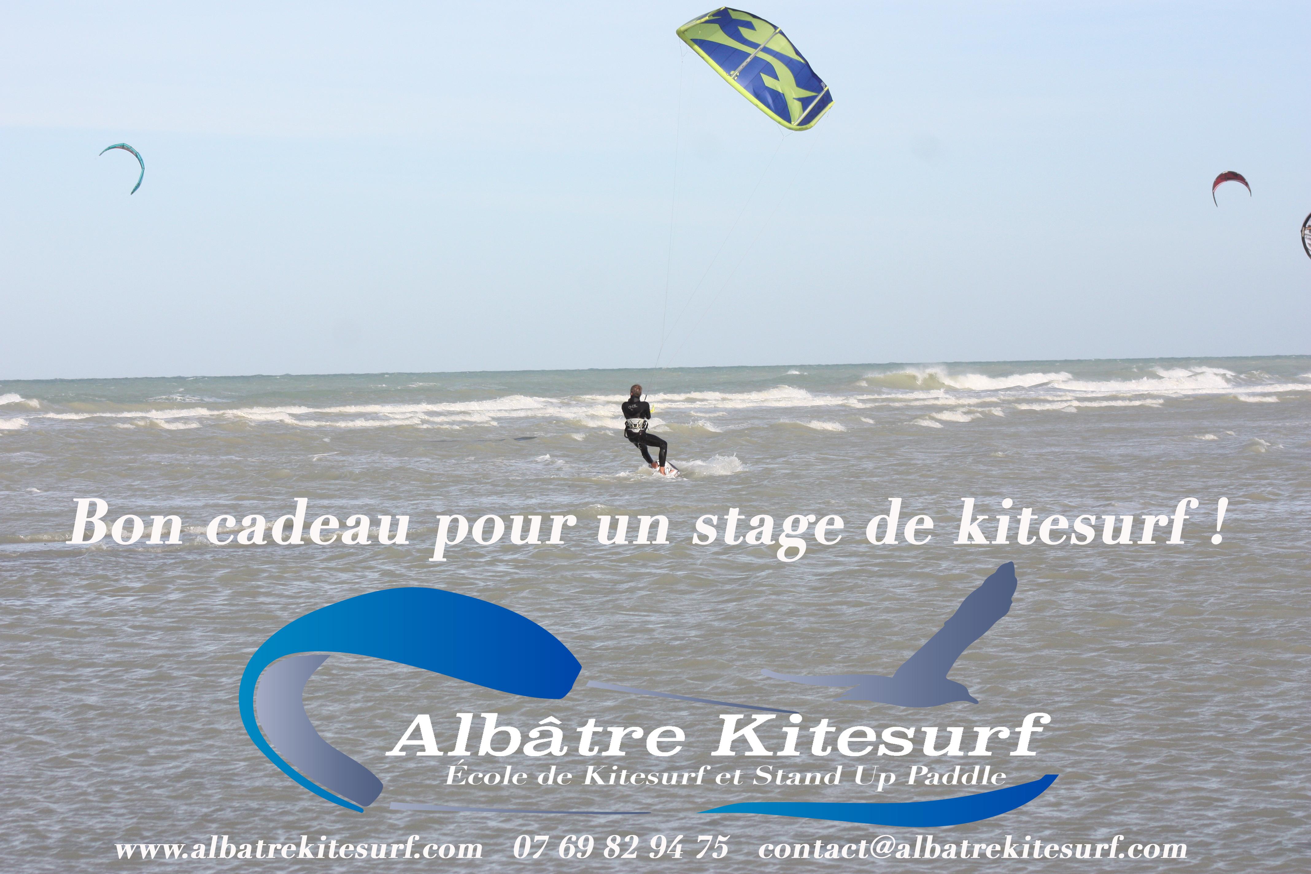 687526161ecf Bon cadeau pour un stage de kitesurf ! Le moniteur et son aide.
